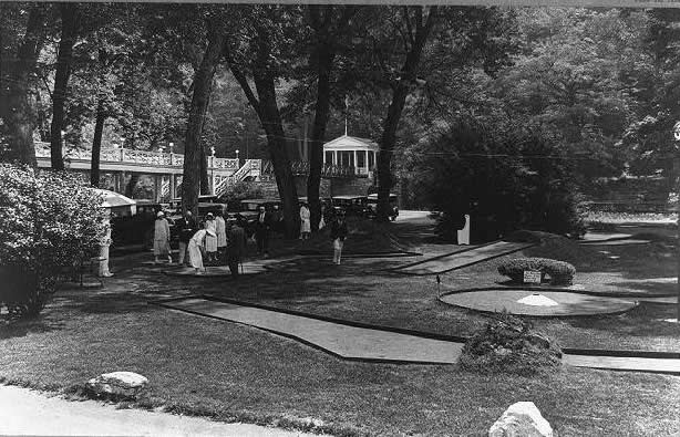 Photograph of people playing miniature golf at Bedford Springs Hotel
