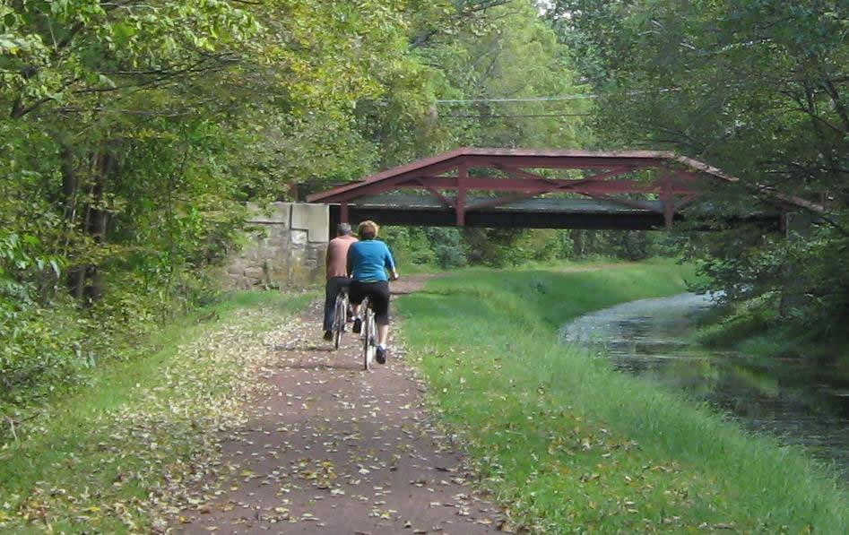 Bicyclists at the Delaware Canal